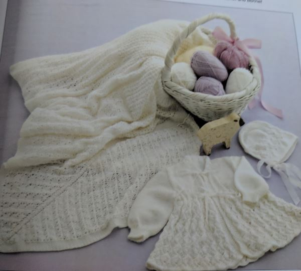 Baby layettes knitting pattern in lace